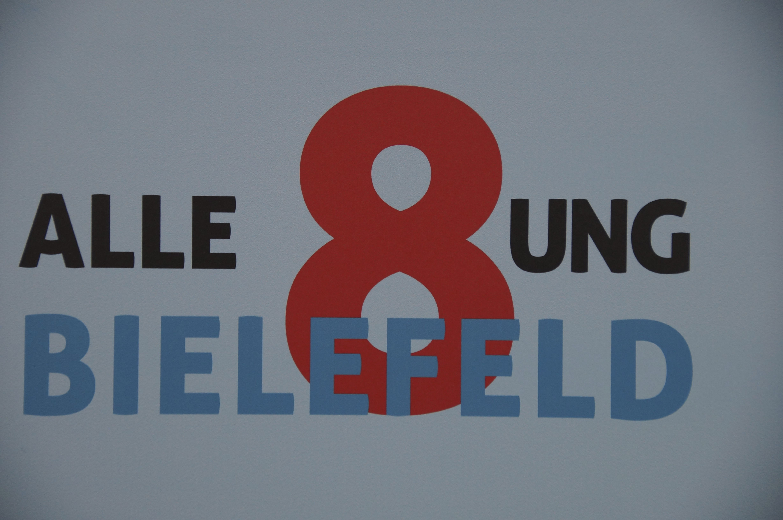 """Logo der Ausstellung """"Alle 8ung!"""""""