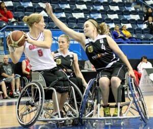 Mareike Adermann gegen die in Trier spielende Janet McLachlan (Foto: Tanja Feddersen).