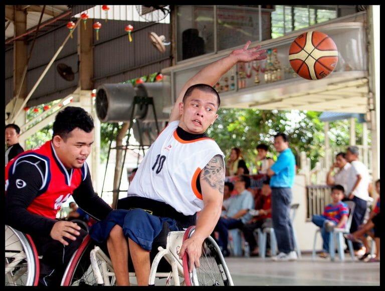 Luke Chua throws - (C) Robin Wong - Olympus E5