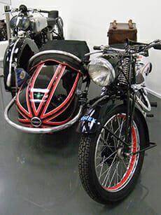 Horex Motorrad mit Beiwagen