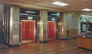HIRO Aufzug in einer Karstadt Filiale in Bottrop 1956