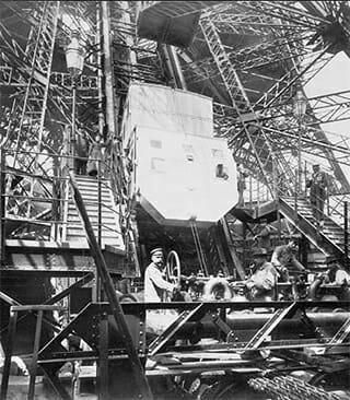 Schrägaufzug im Eiffelturm
