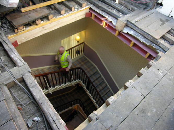 Durchbruch im Dachboden