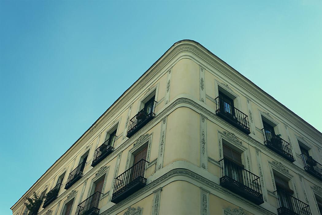 Treppenlift im Mehrfamilienhaus: Was gibt es zu beachten?