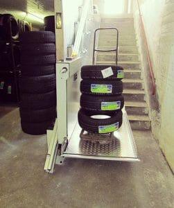 Rollstuhl-Schrägaufzug als Lastenaufzug