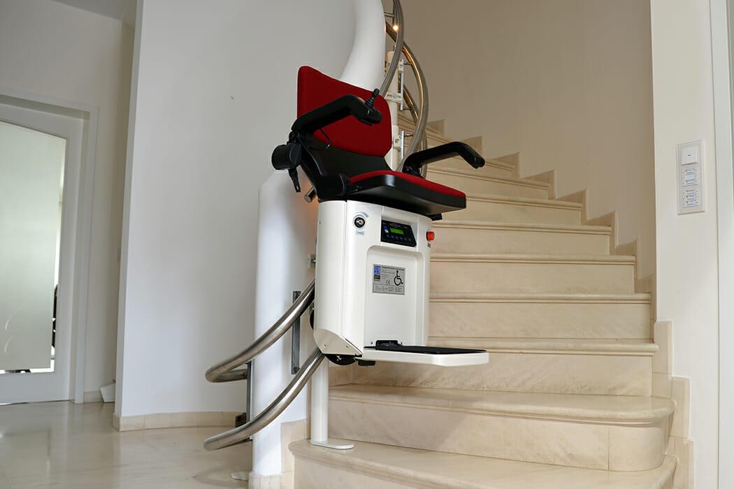 Einfach zum Treppenlift: der Auftragsablauf bei HIRO
